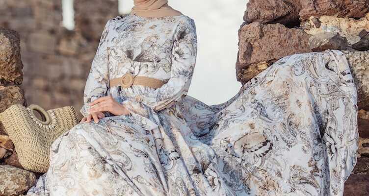 Tesettür Desenli Şifon Elbise Modeli