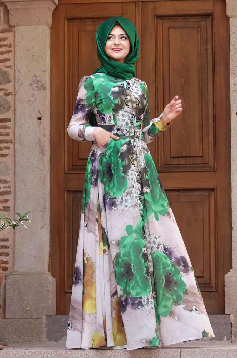 Pınar Şems Çiçek Desenli Şık Tesettür Elbise Modelleri