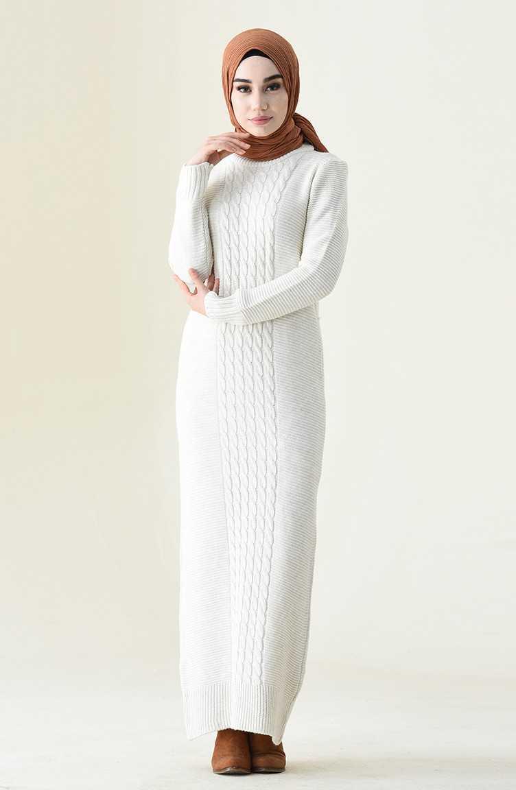 Sefamevre Tesettür Örgü Desenli Beyaz Elbise Modelleri