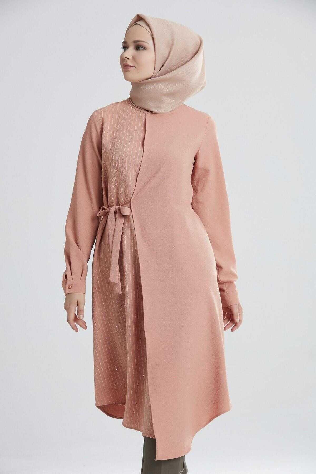 Tuğba Yandan Bağlamalı Tunik Modelleri