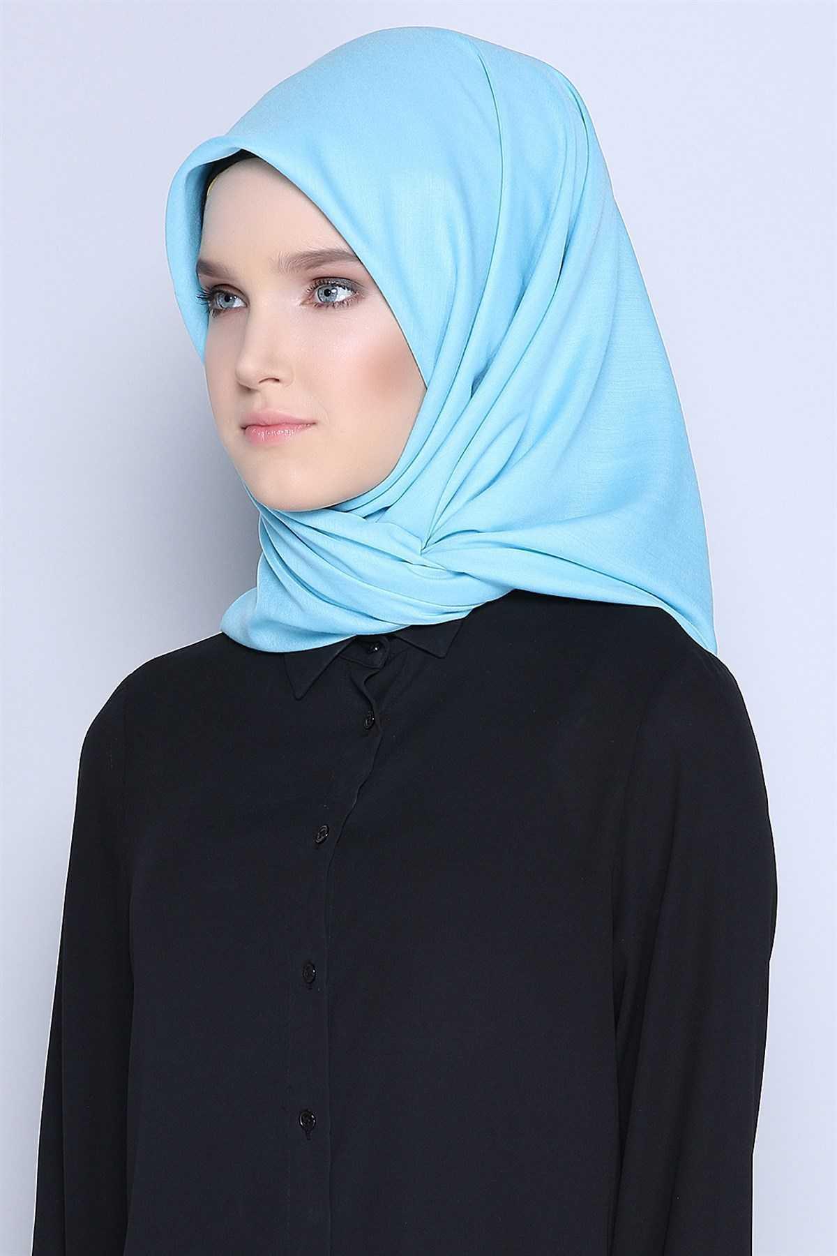 Tozlu Nakışlı Mavi Eşarp Modelleri